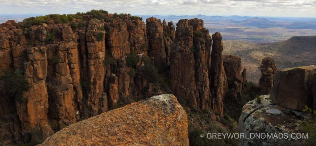Camdeboo National Park lies in the Karoo, Eastern Cape, South Africa, with its major attractions: the Valley Of Desolation and the Nqueba Dam. The National Park encircles entirely the Old Cape Dutch town of Graaf-Reinet.
