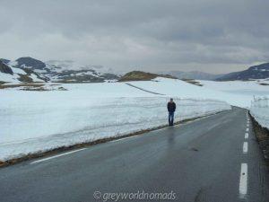 snow road norway. best road trips in scandinavia. beautiful roads in world.