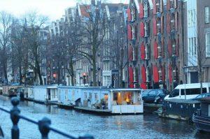 amsterdam hausboot mieten. Bed and Breakfast Amsterdam Hausboot.